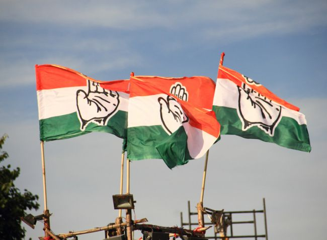 congress-flags-fluttering-at-soni-gandhi-raaly-at-karol-bagh