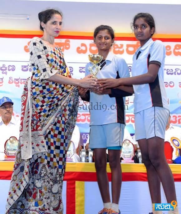 ball badminton champions (3)